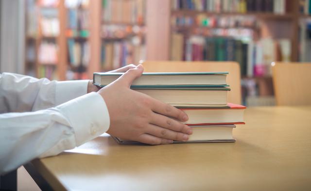 使い終わった参考書は「学参プラザ」で処分しよう!