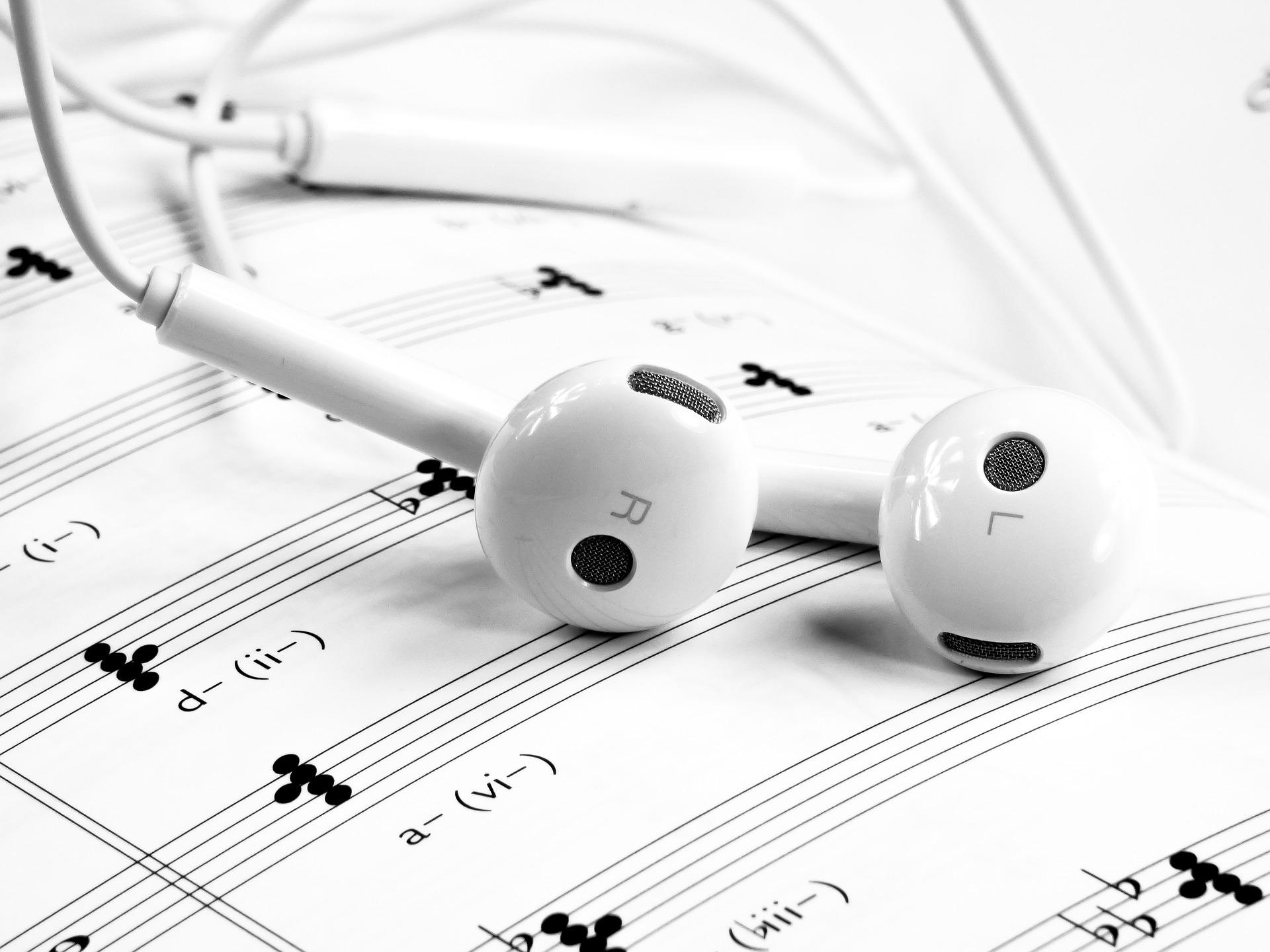 music-1874621_1920 (1)